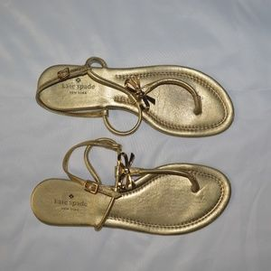 KATE SPADE NEW YORK Gold Bow Tie Thong Sandals